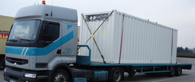 Transport Heizzentrale im Technikcontainer